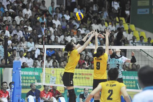 Các vậnđộng viên VTV Bình Điền Long An đã có trận đấu xuất sắc chia tay khán giả Quảng Nam. Ảnh: T.V