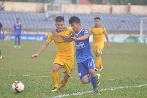 Bị Sông Lam Nghệ An cầm hòa, thêm một trận đấu thất vọng của Quảng Nam. Ảnh: A.S