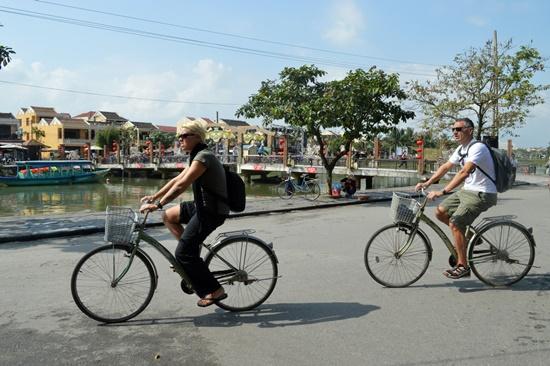 Tỷ lệ người dân và du khách đi xe đạp tại Hội An vẫn còn thấp