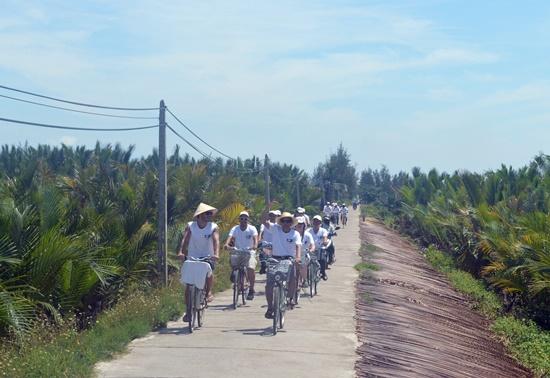 Du lịch bằng xe đạp tại Cẩm Thanh