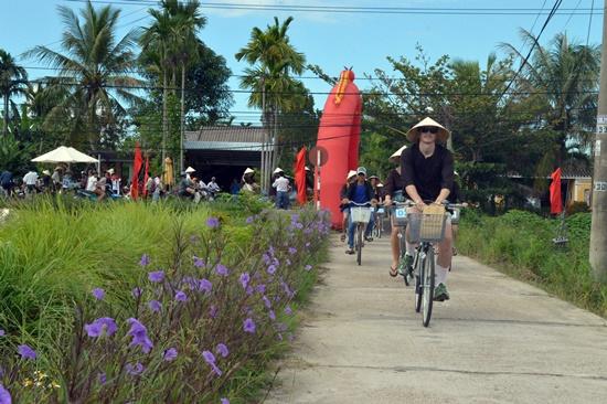 Du lịch bằng xe đạp tại làng An Mỹ Hội An