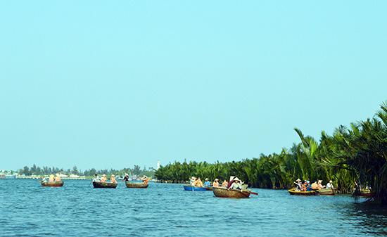 Du lịch sinh thái rừng dừa Cẩm Thanh (Hội An) vẫn còn nhiều tồn tại cần giải quyết. Ảnh: VĨNH LỘC