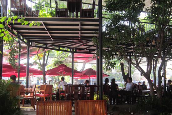 Không gian quán cà phê Lộc Thủy.
