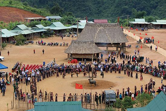 Dự án phát triển du lịch sinh thái cộng đồng đồng bào Cơ Tu  thuộc dự án động lực phát triển kinh tế miền núi. Ảnh: Đ.H