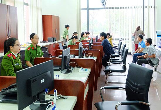Quảng Nam đang xây dựng kế hoạch, đưa ra giải pháp tốt nhất để cải cách hành chính một cách nhất quán. Ảnh: QUẾ CHÂU