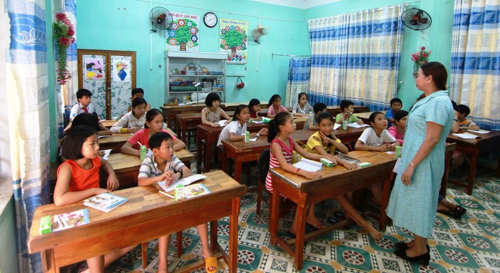 Lớp học trở thành địa chỉ tin cậy của nhiều phụ huynh mỗi mùa hè. Ảnh: K.L