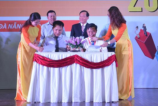 Trường ĐH Duy Tân ký kết hợp tác với VPBank.