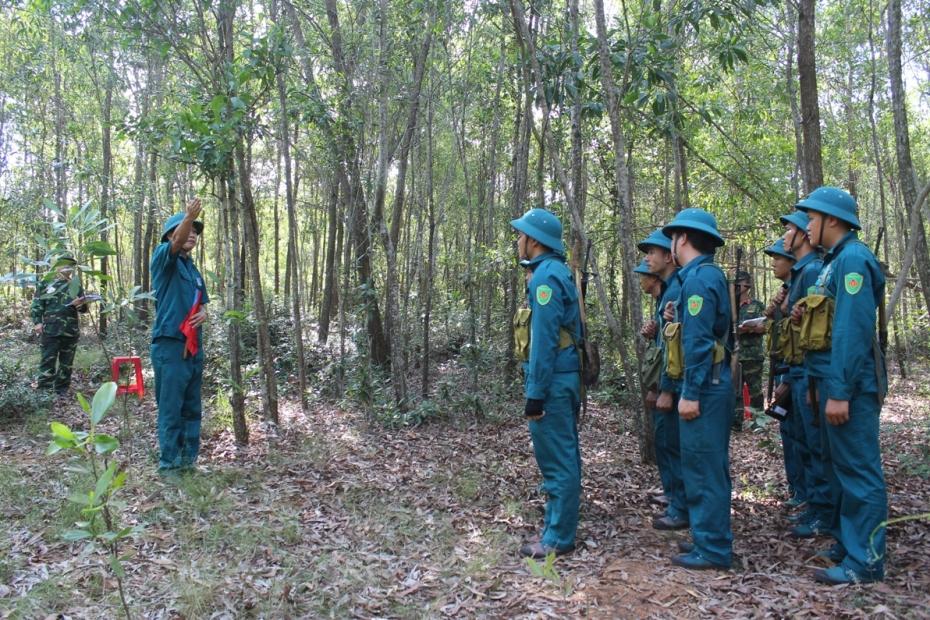 Thi giảng bài đội ngũ chiến thuật tại Núi Cấm, xã Tam Phú, TP.Tam Kỳ.