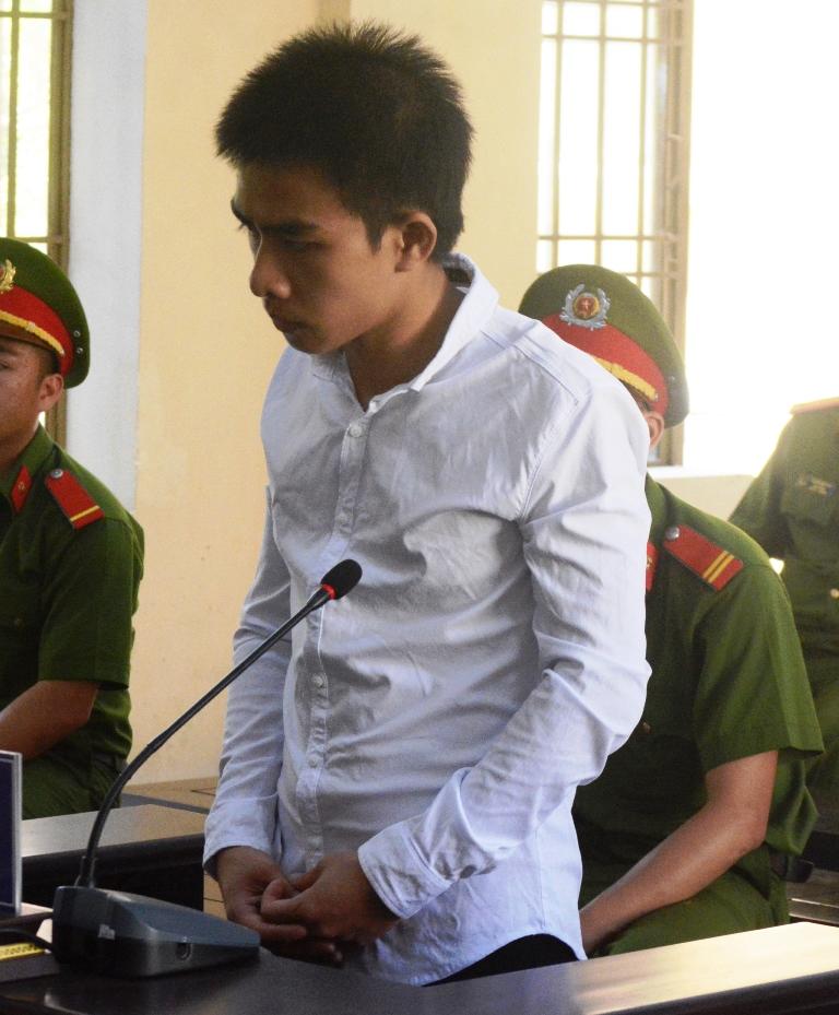 Bị cáo Tú tại tòa. Ảnh: T.S