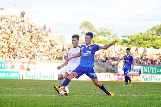 Tiền vệ Huy Hùng tỏa sáng với 2 bàn thắng trong 2 trận đấu liên tiếp.
