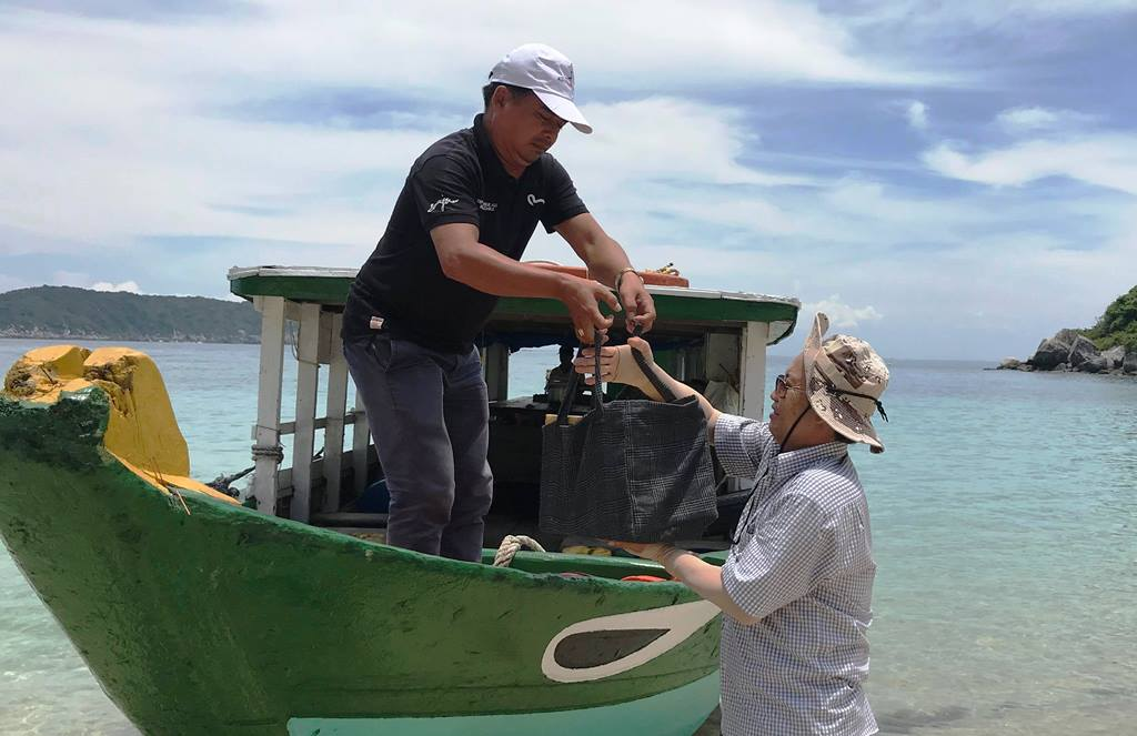 Turtle eggs transported to Cham Islands by boat.