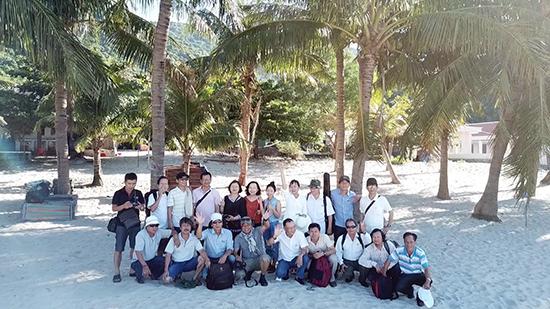 Đoàn Chi hội Nhà văn đi thực tế Cù Lao Chàm. Ảnh: Ngô Hòa