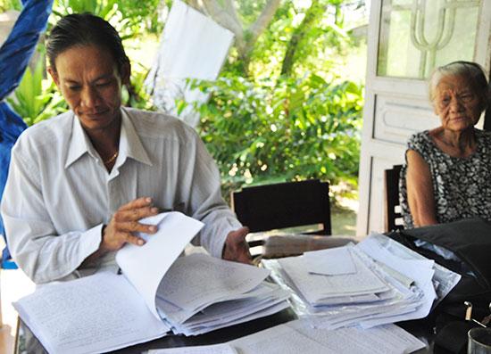 Ông Lê Nguyên Hoàng đã gửi đơn khiếu nại, phản ánh đến các cấp ngành của tỉnh vì không thống nhất với kết quả giải quyết các vụ việc liên quan của Công an huyện Thăng Bình. Ảnh: H.G