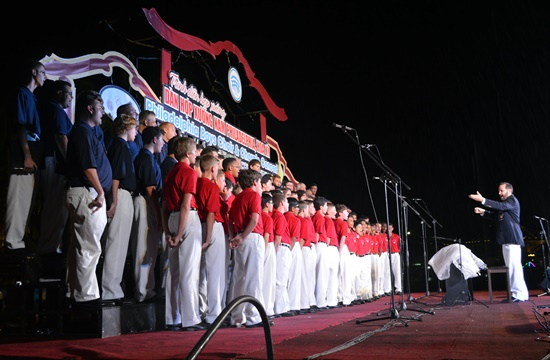 Gần 100 nghệ sĩ Hoa Kỳ đã biểu diễn tại Hội An