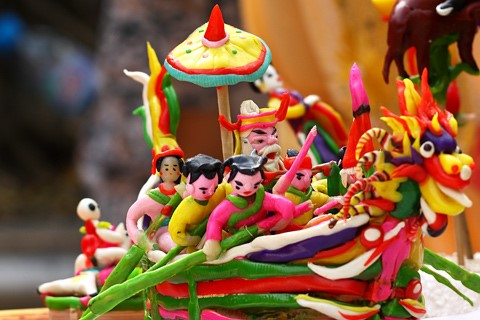 To he- traditional toys for children in Vietnam will be presented at the exhibition.