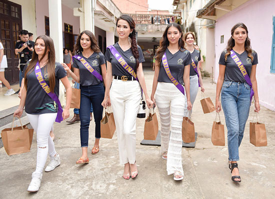 The beauties of the World Miss Tourism Ambassador 2018 in Hoi An