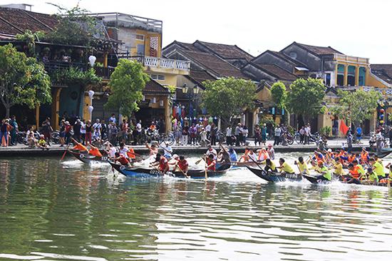 Đua thuyền giao lưu giữa Việt Nam và Nhạt Bản sẽ tái hiện trên sông Hoài. Ảnh: MINH HẢI