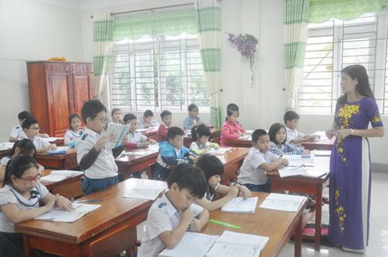 Tỉnh sẽ tiếp tục tổ chức thi tuyển viên chức giáo dục trong học kỳ 1 năm học 2018 - 2019.  Ảnh: X.PHÚ