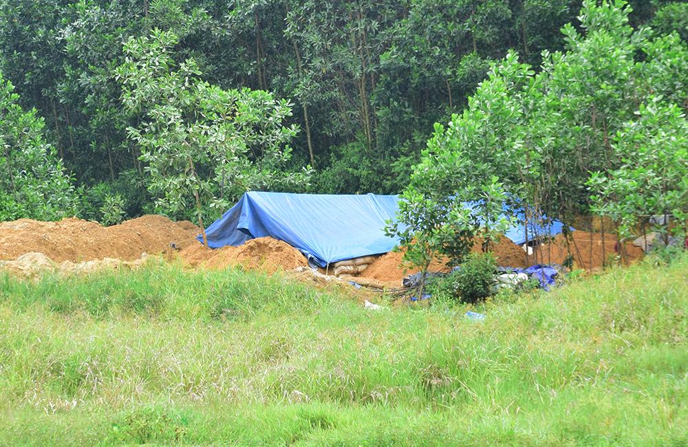 Một nơi lọc vàng vừa mới mọc lên tại một khu đất trống ở tổ 4 (thôn Đàn Thượng, xã Tam Lãnh, huyện Phú Ninh). Ảnh: THANH THẮNG