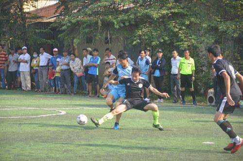 Giải bóng đá nhà giáo là một trong những hoạt động do CĐGD tỉnh tổ chức diễn ra khá sôi nổi, thu hút nhiều đoàn viên tham gia. Ảnh: X.P