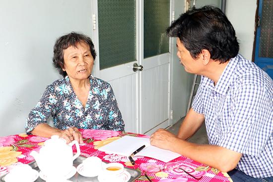 Bà Hà và tác giả.Ảnh:  CÔNG THI
