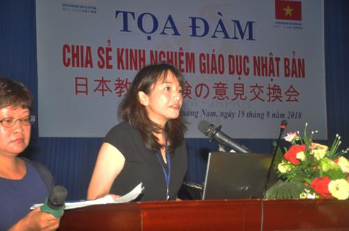 bà Chuman Ai - Bí thư thứ 2 Đại sứ quán Nhật Bản tại Việt Nam chia sẻ kinh nghiệm giáo dục Nhật Bản. Ảnh: X.P
