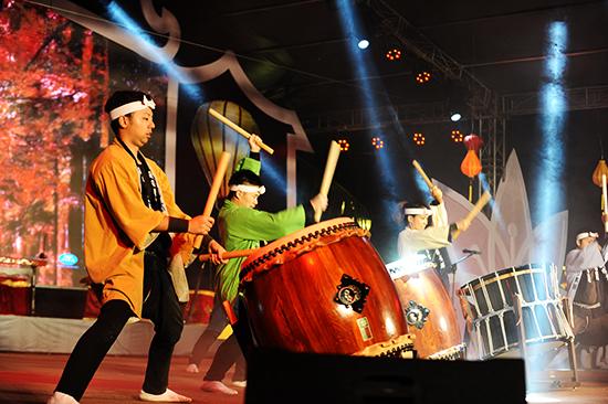 Đội trống truyền thống Minori Daiko  Nhật Bản