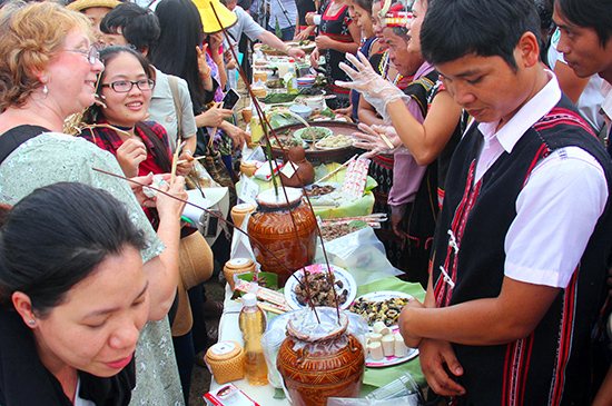 Không gian ẩm thực được kỳ vọng sẽ tạo nên điểm nhấn, thu hút du khách và người dân tìm đến, cùng thưởng thức, trải nghiệm. Ảnh: ALĂNG NGƯỚC