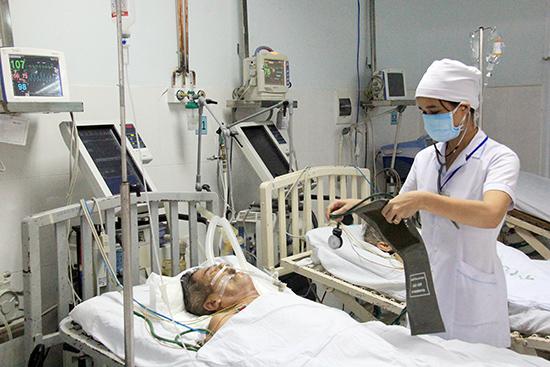 Việc giảm chi phí hơn 80 dịch vụ kỹ thuật, giường bệnh... sẽ giúp người dân giảm chi phí khi khám chữa bệnh. Ảnh: N.D
