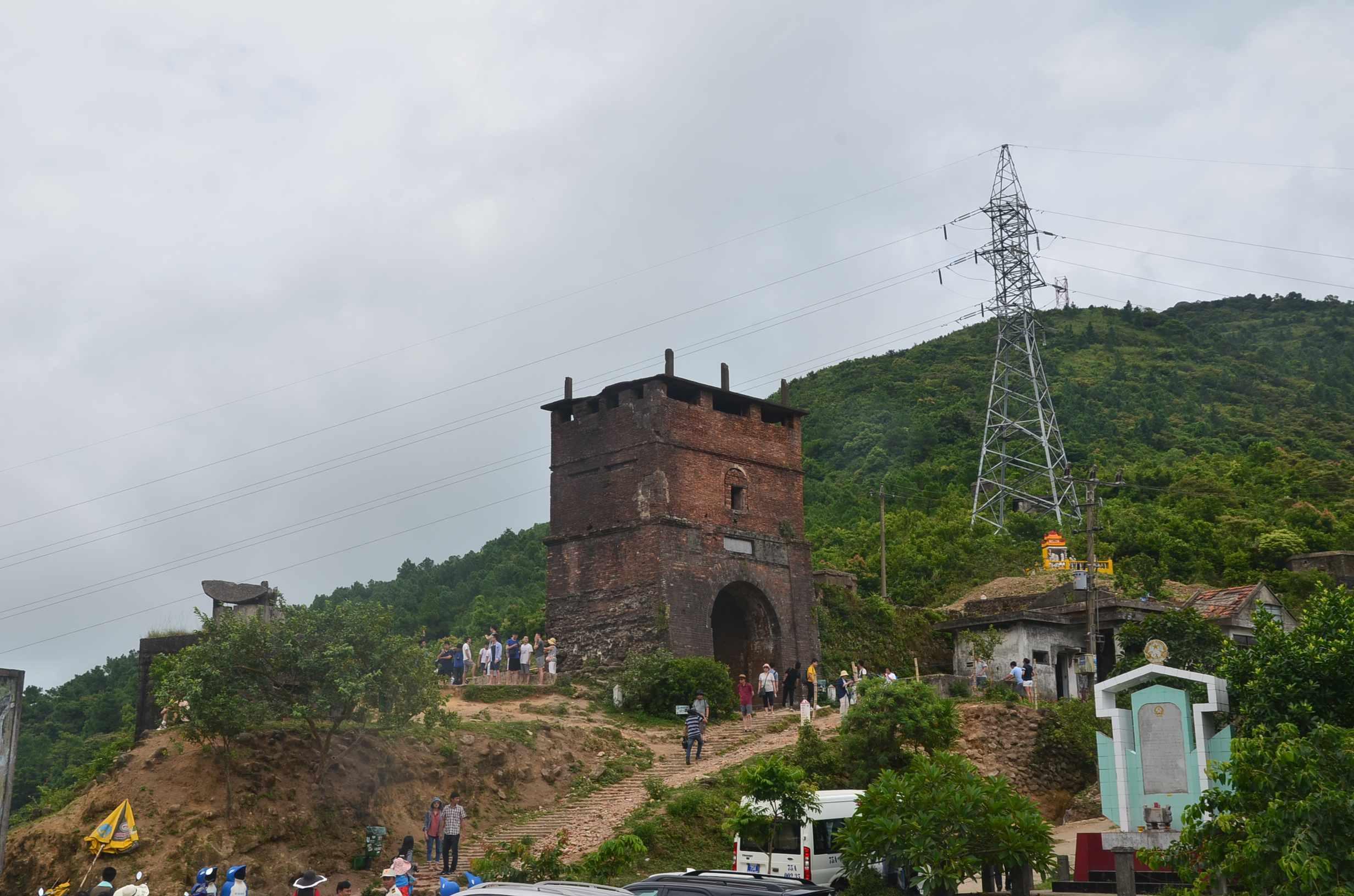 Hiện trạng cổng Hải Vân Quan ((phía nam). Ảnh: X.L