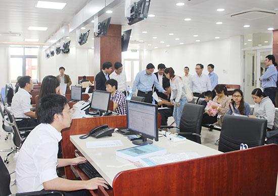 Quảng Nam đẩy mạnh cải cách thủ tục hành chính thông qua sự vận hành của trung tâm hành chính công. Ảnh: T.D