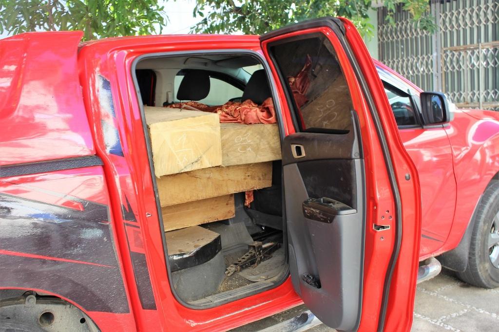 Số gỗ tang vật bị lực lượng chức năng phát hiện, tạm giữ. Ảnh: Đ.C