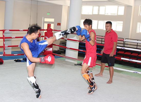Một buổi tập luyện của Đội võ thuật Quân khu 5.