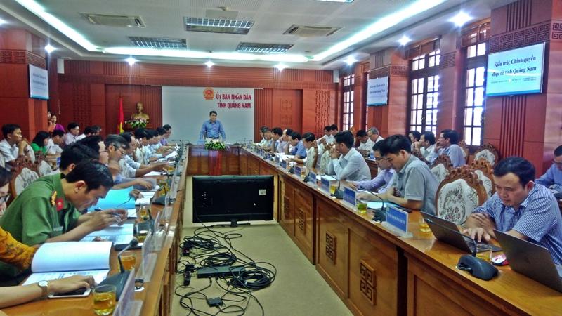 Phó Chủ tịch UBND tỉnh yêu cầu Sở TT-TT cần hoàn thiện, tham mưu UBND tỉnh phê duyệt Kiến trúc chính quyền điện tử tỉnh Quảng Nam ngay trong tháng 9.2018. Ảnh: ĐOÀN ĐẠO