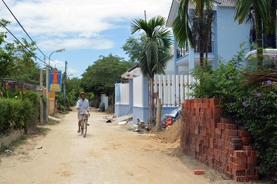 Cảnh quan làng quê Triêm Tây đang bị biến dạng bởi tốc độ bê tông hóa