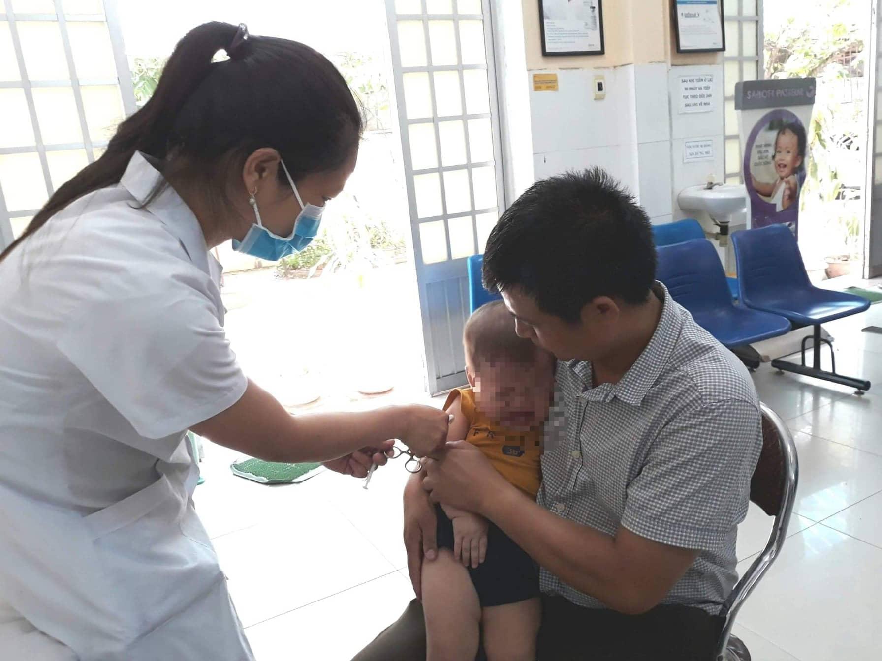 Tiêm phòng vắc xin sởi là biện pháp phòng bệnh hiệu quả nhất. Ảnh: C.N