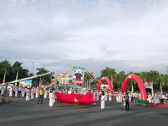 Quang cảnh Quảng trường 24.3 lúc 6h15
