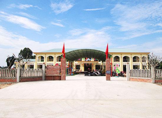 Trường Mẫu giáo số 2 Nam Phước (điểm trường đội 6) vừa được đầu tư xây dựng khang trang. Ảnh: H.N