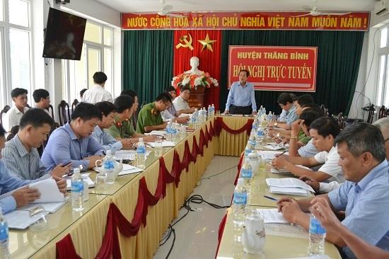 Phó Chủ tịch Thường trực UBND tỉnh Huỳnh Khánh Toàn làm việc với Thăng Bình. Ảnh: CT