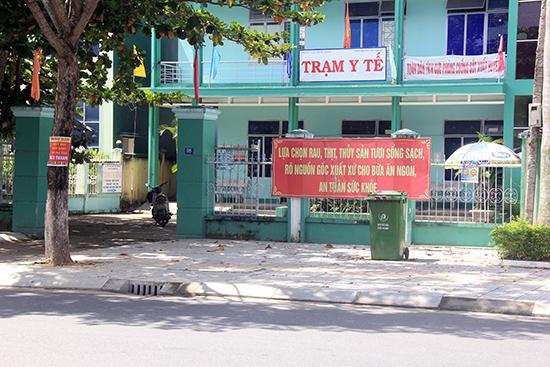 Do chưa thể đáp ứng nhu cầu khám chữa bệnh nên các TYT tại các thành phố, thị xã thường rất vắng bệnh nhân. Ảnh: NGUYỄN DƯƠNG