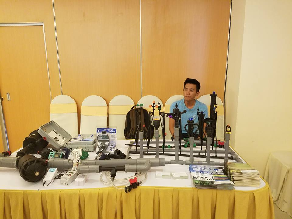 Giới thiệu mô hình sản xuất nông nghiệp ứng dụng công nghệ cao tại hội thảo. Ảnh: Q.T