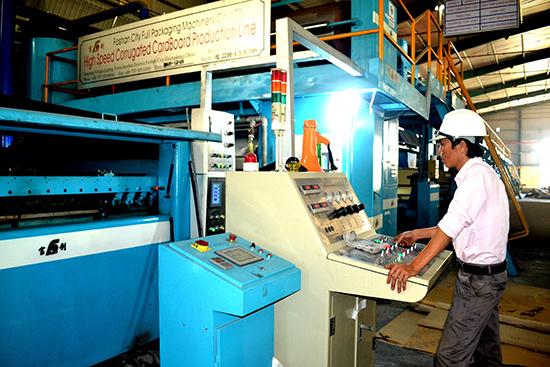 Các doanh nghiệp ở Quảng Nam đang đổi mới công nghệ để phát triển. Ảnh: QUANG VIỆT