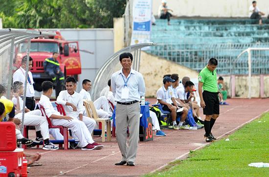 HLV Vũ Quang Bảo cùng với XSKT Cần Thơ đối mặt với rất nhiều khó khăn trong phần còn lại của mùa giải. Ảnh: T.V