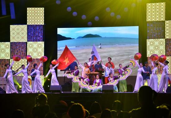 Ngày hội giúp tăng cường sự hiểu biết và giao lưu văn hóa giữa hai dân tộc