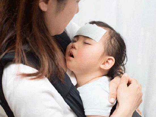 Giao mùa, trẻ dễ mắc cách bệnh về đường hô hấp.