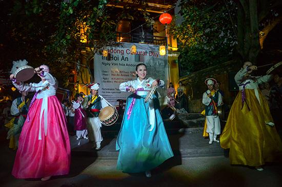 Traditional art performances