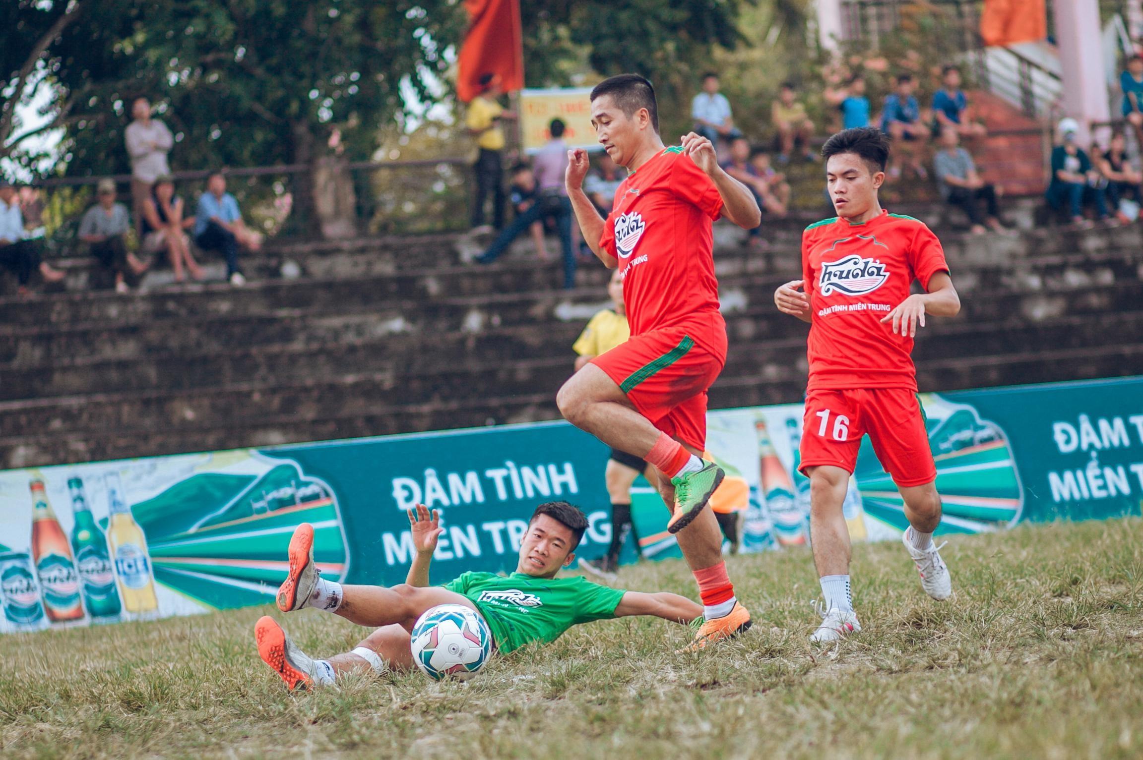 Cúp Huda 2018 mang đến những trận cầu đẹp mắt và sôi động cho người hâm mộ bóng đá