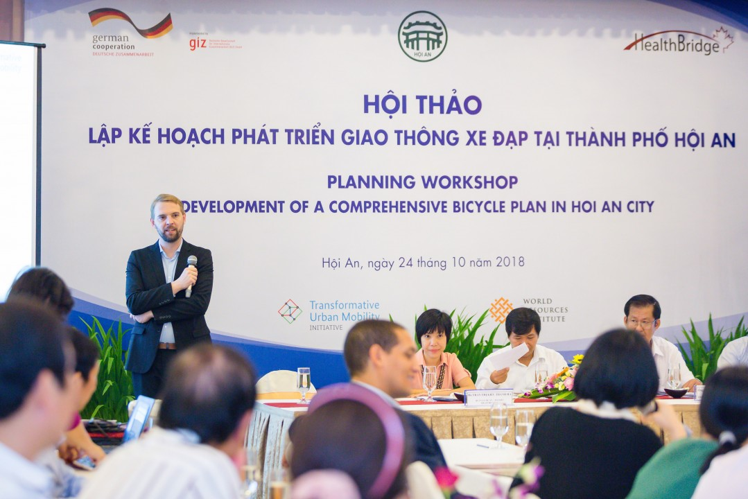 Experts at the workshop on development of a comprehensive bicycle plan in Hoi An city