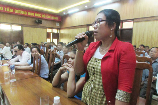 Ý kiến đại biểu tại diễn đàn Công an lắng nghe ý kiến nhân dân. Ảnh: VĂN PHIN