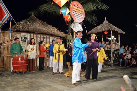 Bai Choi performance in Hoi An, Quang Nam (sggp.org.vn)